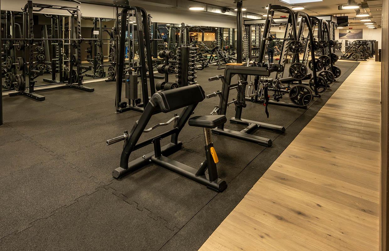 fitness-center-zürich-halle41-freihantelbereich-2